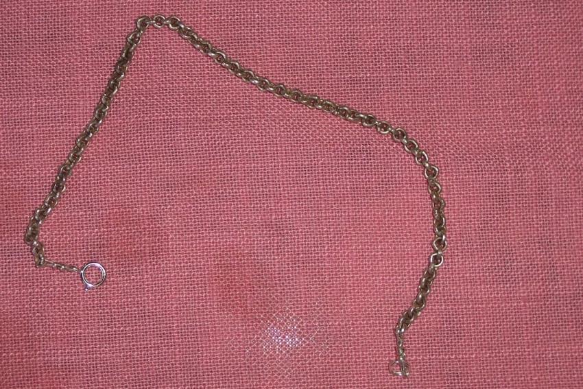 https://cf.ltkcdn.net/crafts/images/slide/89687-850x567-bracelet_2.jpg