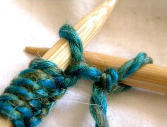 https://cf.ltkcdn.net/crafts/images/slide/128594-849x646r1-knitting-8.jpg