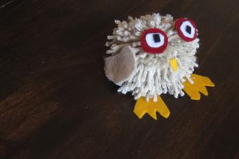 Make a Yarn Pom Pom Owl