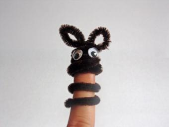 pipe cleaner finger puppet