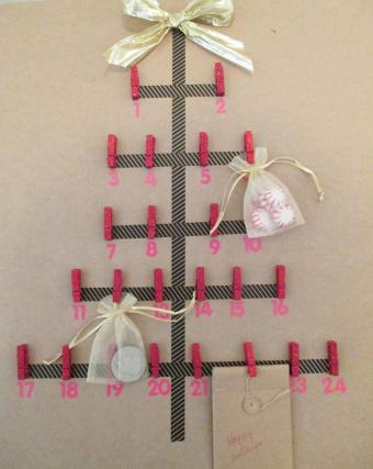 Picture of graphical Christmas tree advent calendar