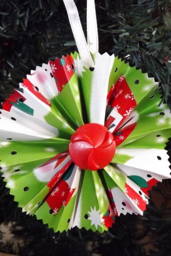 Wrap Scrap Medallion Ornament