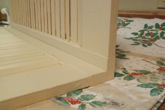 Attach the shutters together.