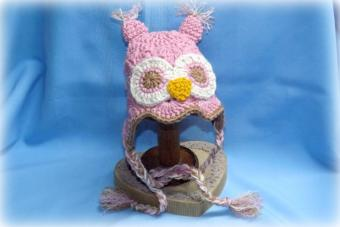 Finished crochet owl hat made from the pattern