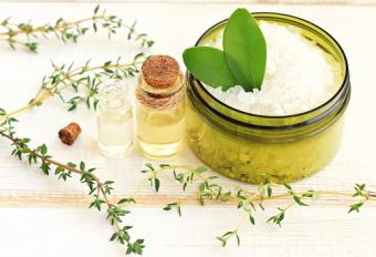 Herbal bath salt