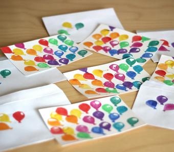 https://cf.ltkcdn.net/crafts/images/slide/250135-850x744-10-creative-diy-note-card-ideas.jpg