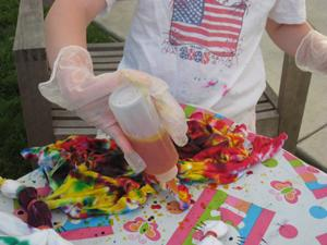 tie dying your shirt