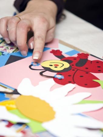 https://cf.ltkcdn.net/crafts/images/slide/89609-604x800-ladybug1.jpg