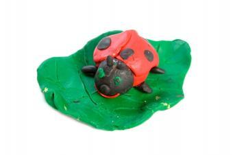 https://cf.ltkcdn.net/crafts/images/slide/89612-849x565-ladybug4.jpg
