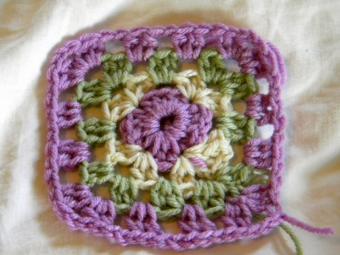 https://cf.ltkcdn.net/crafts/images/slide/89664-750x562-granny-square.jpg