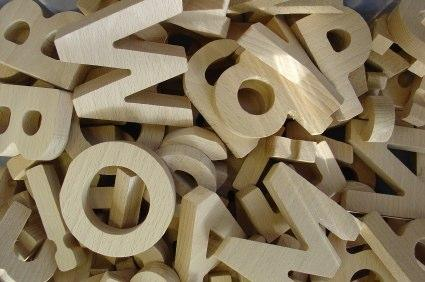 Woodcraft projects lovetoknow for Making wooden letters