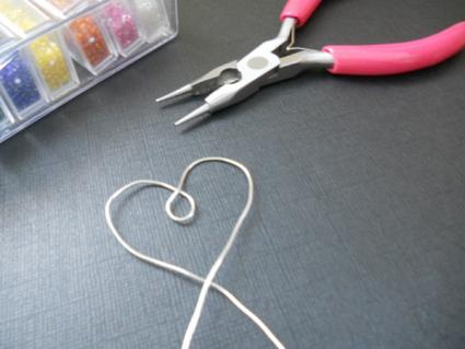 wire heart frame