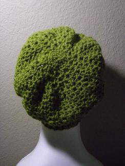 green crochet hat