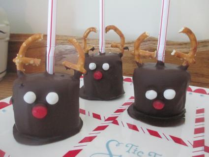 marshmallow reindeer pops