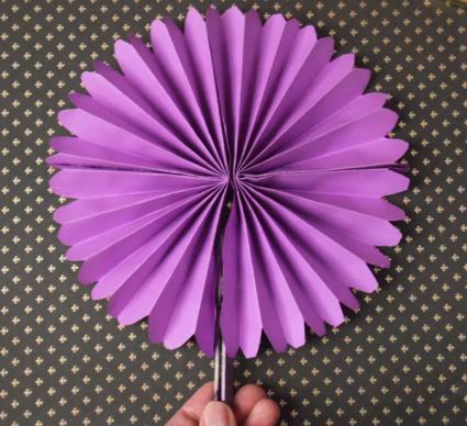 round paper fan