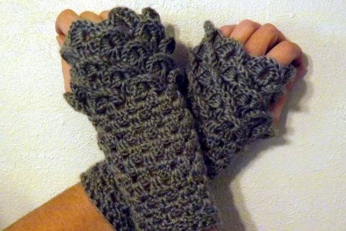 Crochet Dragon Gloves Pattern