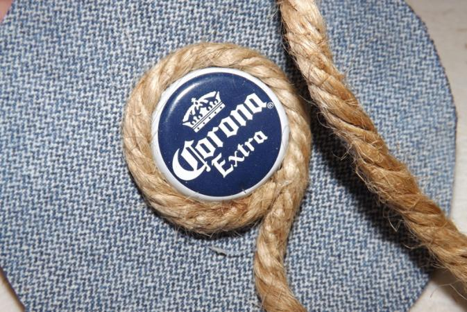 Spiral the jute around the cap.