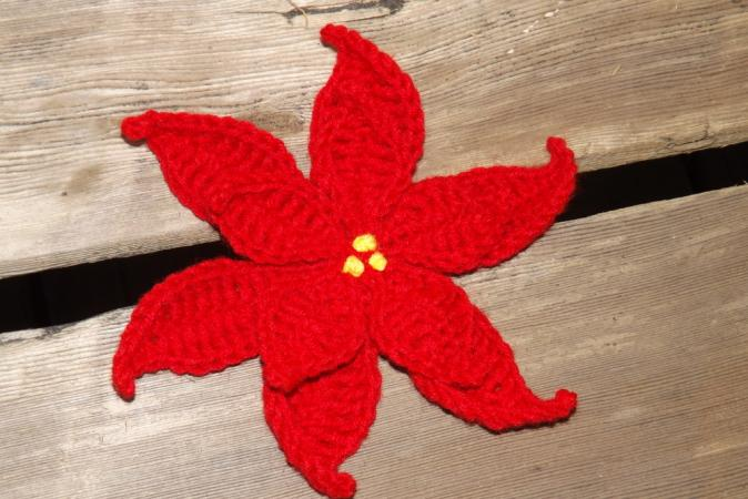How to crochet flowers.