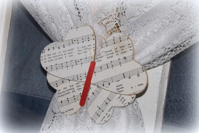 Butterfly Tie Back