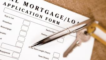 https://cf.ltkcdn.net/creditcards/images/slide/32648-850x486-credit_score_--_loan_application.JPG