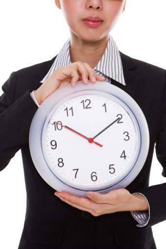 https://cf.ltkcdn.net/creditcards/images/slide/32649-566x848-credit_score_--_on_time.JPG