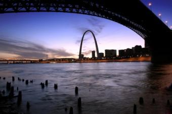 Saint Louis MO Steamboat Cruises