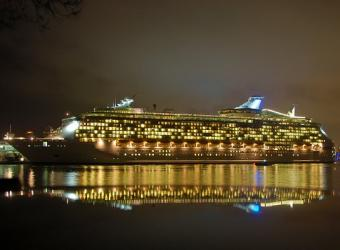 Pictures of Night Life on Cruise Ships