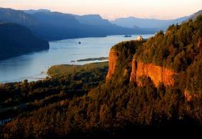 Columbia River Steamboat Cruises