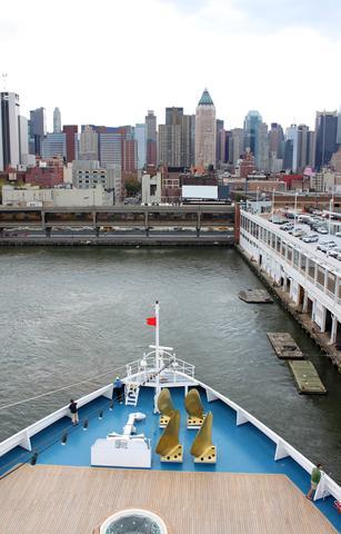 ship departing Manhattan