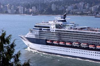 Cruise_ship_alaska.jpg