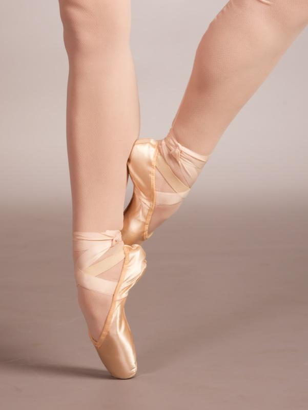 pointeshoes.jpg