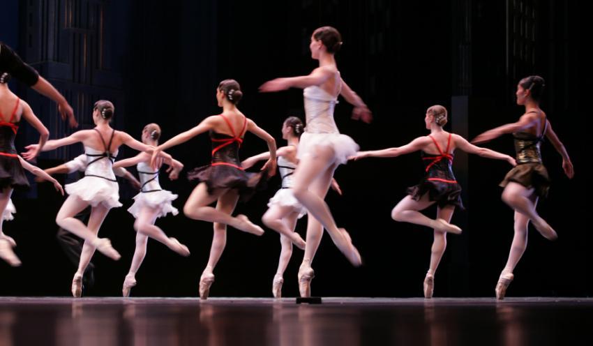 https://cf.ltkcdn.net/dance/images/slide/129907-850x496r1-nutcracker4.jpg