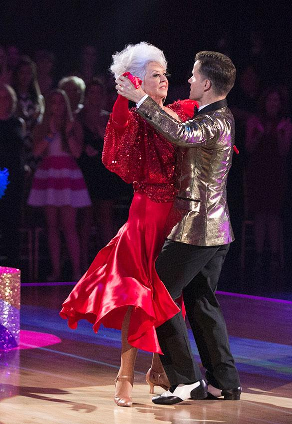 https://cf.ltkcdn.net/dance/images/slide/191501-585x850-Paula-Deen-and-Louis-Van-Amstel.jpg