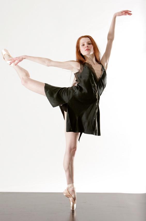 https://cf.ltkcdn.net/dance/images/slide/55278-565x850-balletmuscles.jpg