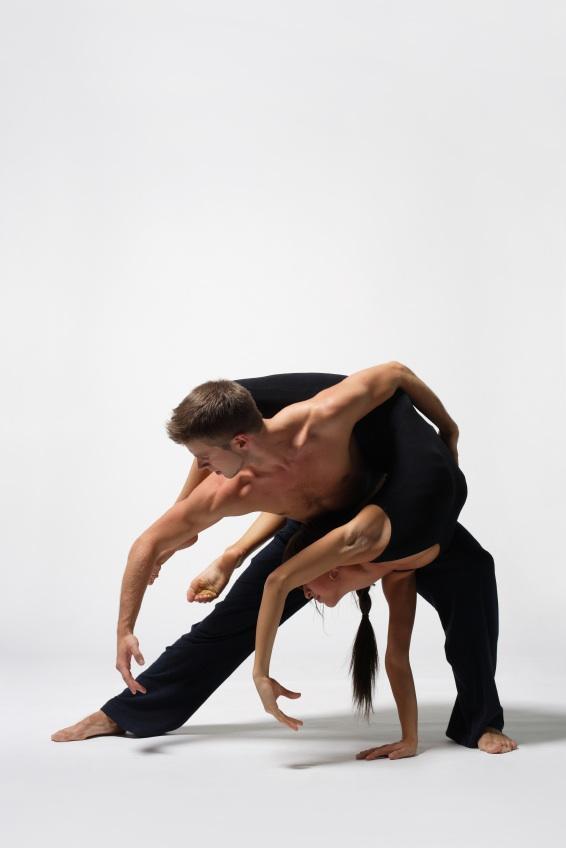https://cf.ltkcdn.net/dance/images/slide/55279-566x848-balletpartner.jpg