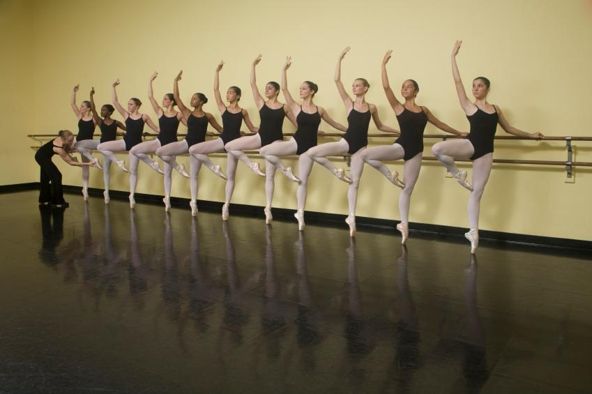 https://cf.ltkcdn.net/dance/images/slide/55283-849x565-balletclass.jpg