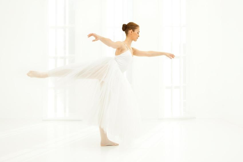 https://cf.ltkcdn.net/dance/images/slide/55342-849x565r2-balletwhite.jpg