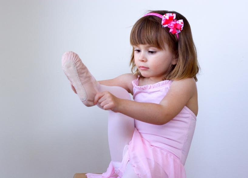 https://cf.ltkcdn.net/dance/images/slide/55347-817x588-ballerinababy.jpg