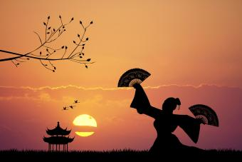How to Learn Traditional Japanese Fan Dancing