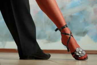 picture of dancing feet
