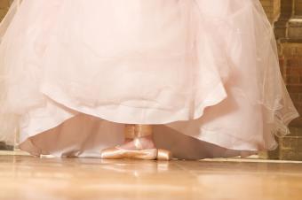 https://cf.ltkcdn.net/dance/images/slide/55315-850x565-tutucost.jpg