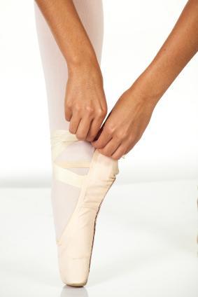 https://cf.ltkcdn.net/dance/images/slide/55366-283x424-ballet3.jpg