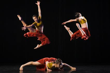Modern dance troupe
