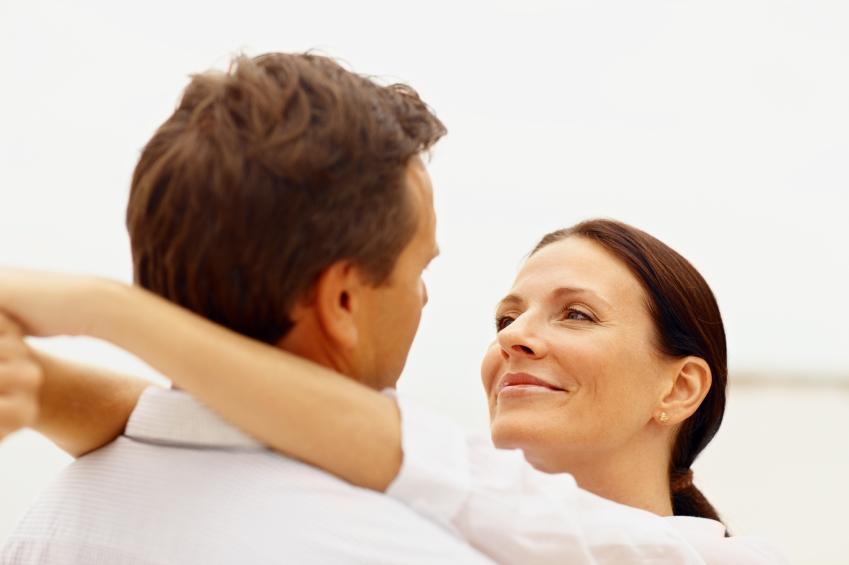 https://cf.ltkcdn.net/dating/images/slide/145152-849x565r1-about_to_kiss_hi.jpg