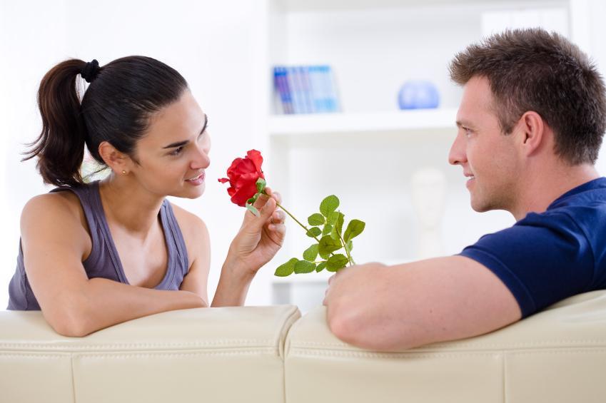 https://cf.ltkcdn.net/dating/images/slide/86612-849x565-Romance_At_Home.jpg