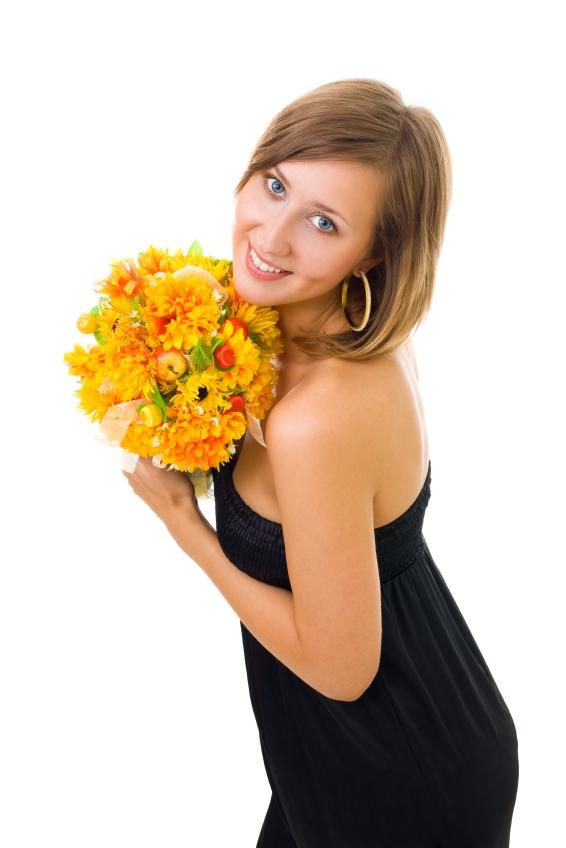 https://cf.ltkcdn.net/dating/images/slide/86614-566x848-buyherflowers.JPG
