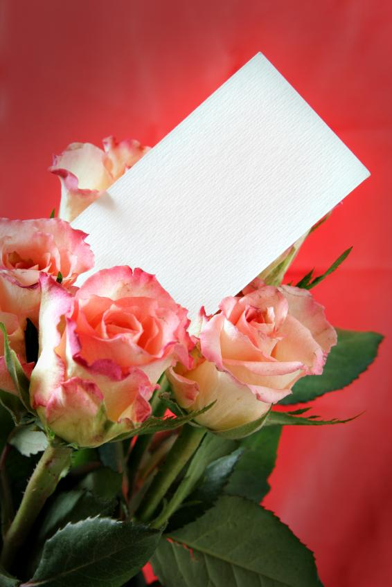 https://cf.ltkcdn.net/dating/images/slide/86648-566x848-rose-with-card.jpg