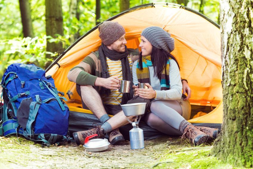 https://cf.ltkcdn.net/dating/images/slide/86662-849x565-Camping.jpg
