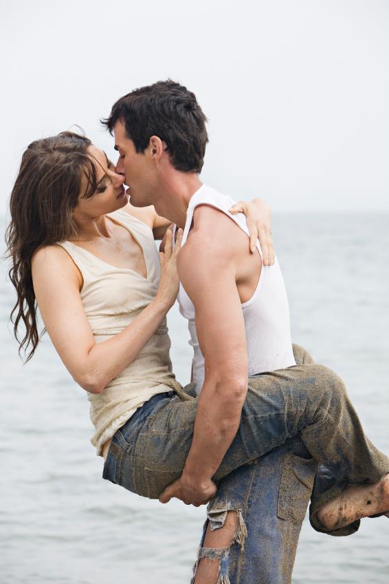 https://cf.ltkcdn.net/dating/images/slide/86759-566x848-Passionate_Ways_to_Kiss_4.jpg