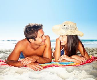 https://cf.ltkcdn.net/dating/images/slide/134726-763x629r1-Couple-Together.jpg